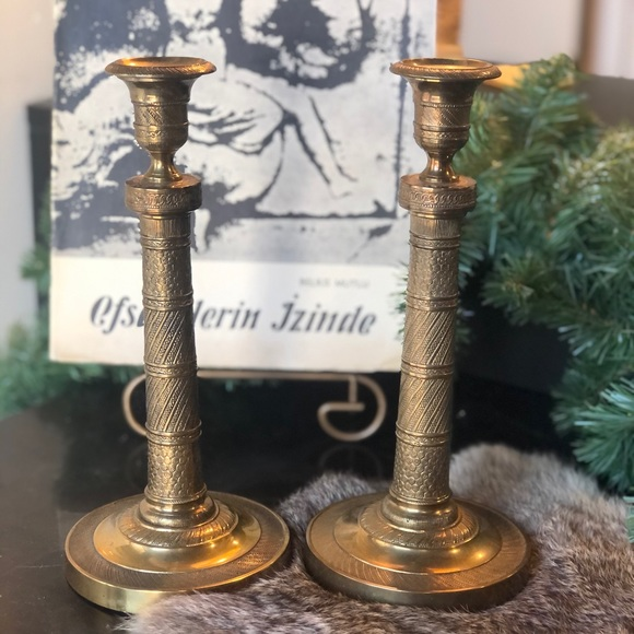 Vtg intricate solid brass candlesticks holders